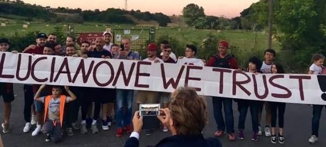 Striscione dei tifosi a Spalletti: