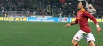 La Roma ricorda il gol di Perrotta a Cagliari nel 2008 (video)