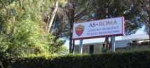 Allenamento Roma, lavoro atletico e tattico.Pellegrini e Mkhitaryan in gruppo, Mancini a parte