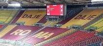 La Curva Sud torna a colorarsi di giallorosso e la Roma torna a vincere un derby. Lazio battuta 2-0