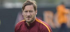 Allenamento Roma: riposo per i nazionali, in gruppo Gyomber. Strootman e Totti show nella partitella