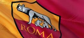 Inizia la stagione della Roma. Visite mediche per i giocatori a Villa Stuart. Zukanovic il primo ad arrivare. Presenti Totti, Strootman